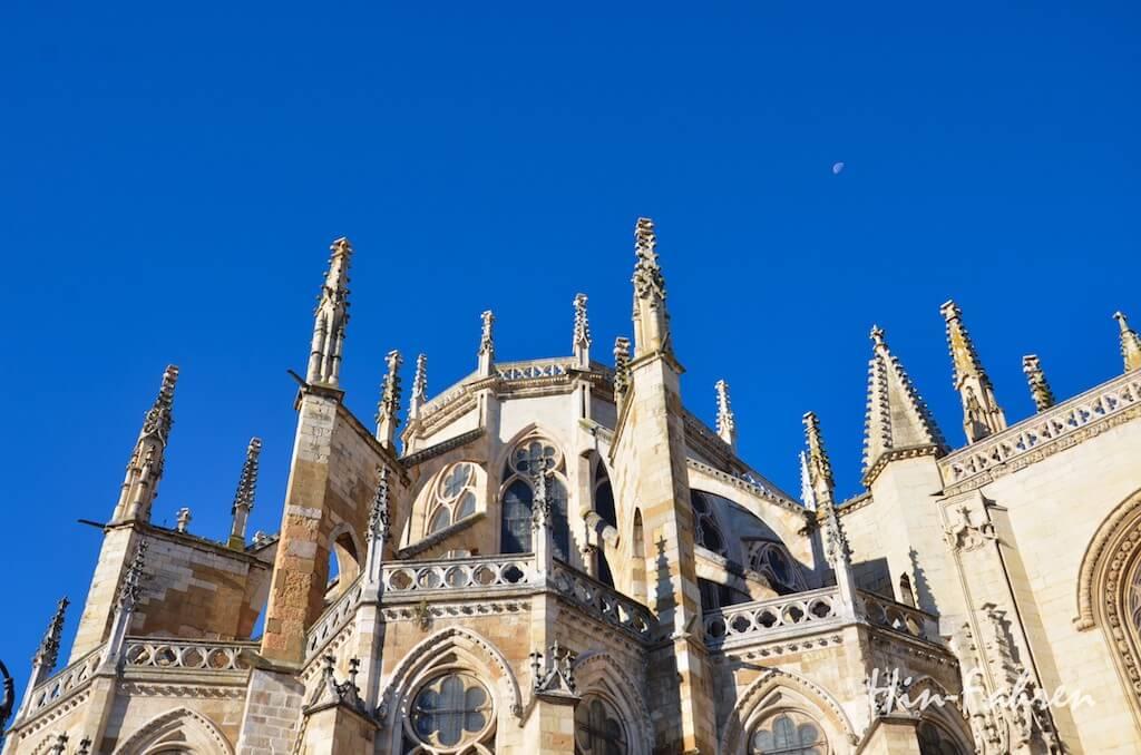 Jakobsweg mit Wohnmobil: Kathedrale in Burgos #HinFahren #Pilgerweg