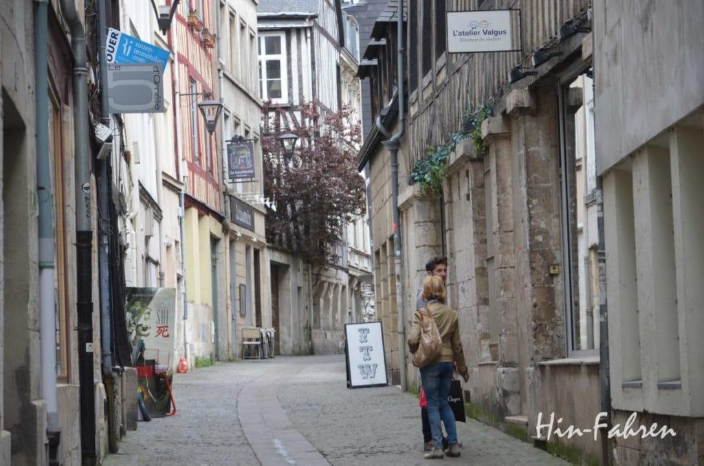 Normandie mit Wohnmobil: Spaziergang in der Altstadt #Rouen #Normandie #Reiseziel