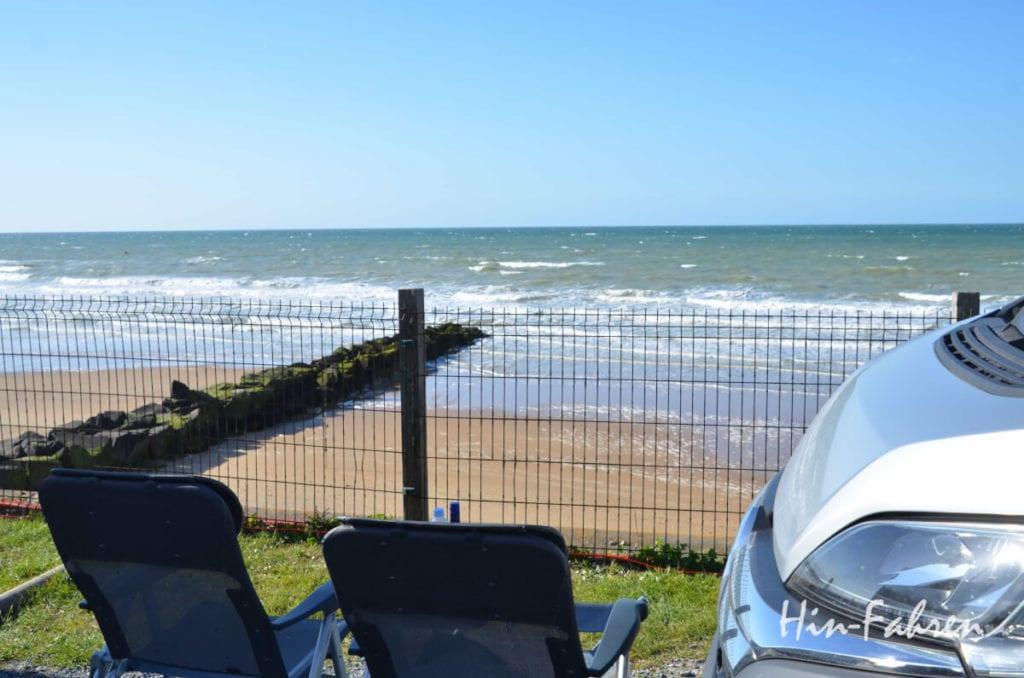 Normandie mit Wohnmobil: Meer vor dem Campingplatz in Houlgate