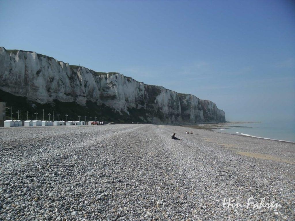 Strand bei Le Treport in der Normandie #Klippe #Kiesstrand #Seebad