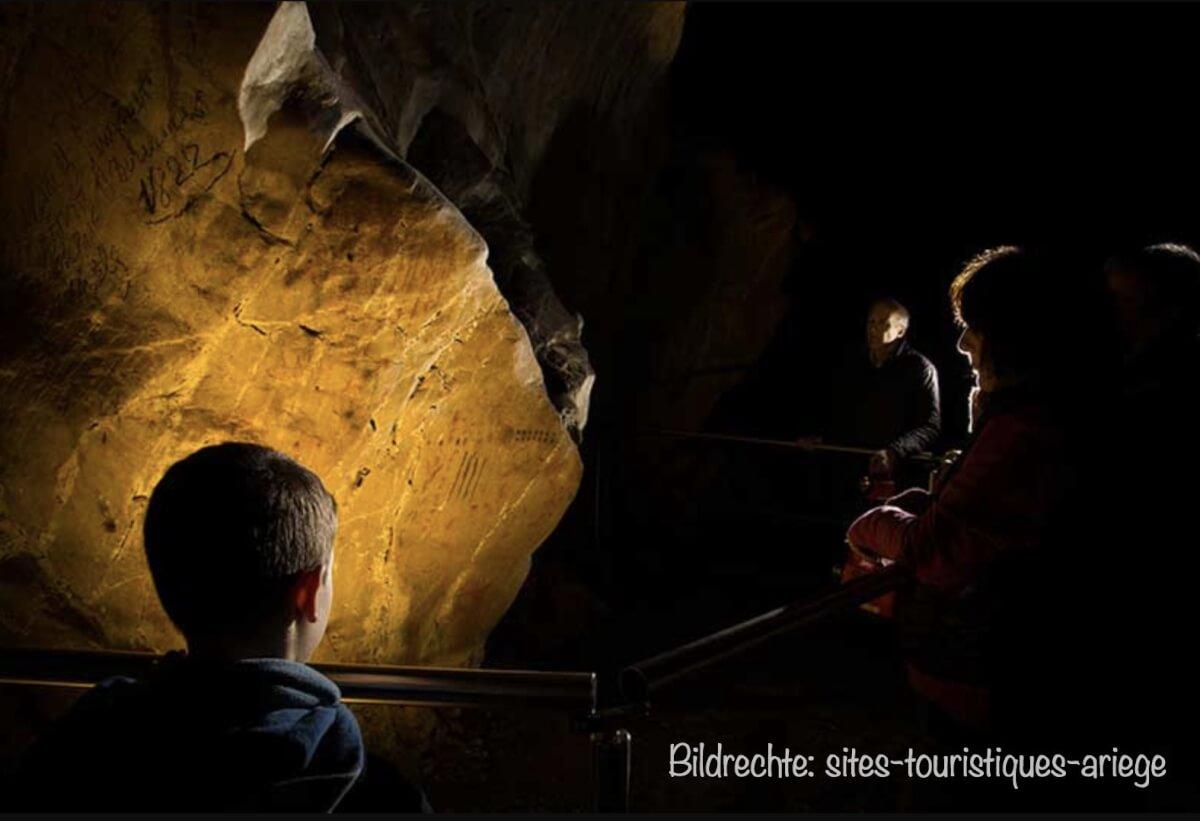 Höhlenmalereien von Zeichen in der Grotte de Niaux