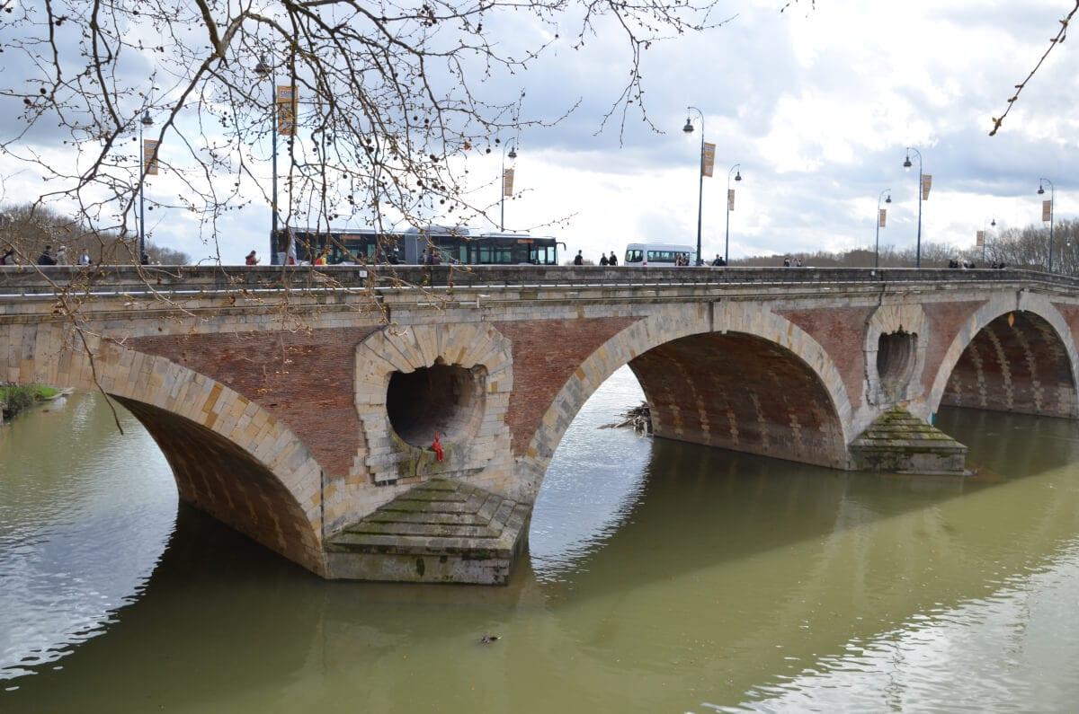 Die älteste Brücke von Toulouse