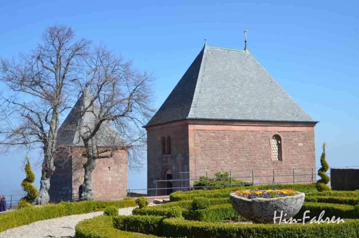 """Die beiden Kapellen auf dem Odilienberg data-Der Odilienberg im Elsass ist Wallfahrtsort und Ausflugsziel #Frankreich #Ausflug #Tagestour #Odilia"""""""
