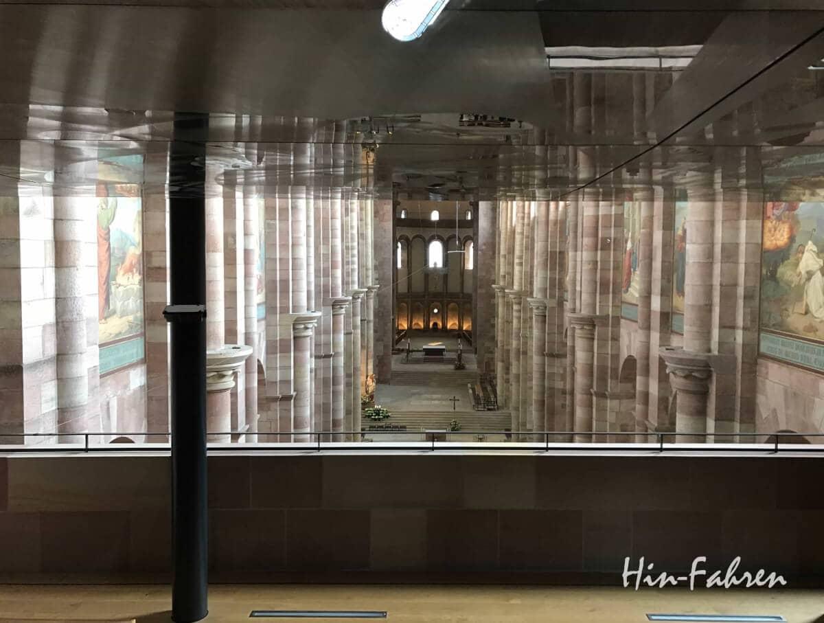 Blick ins Hauptschiff des Speyerer Dom