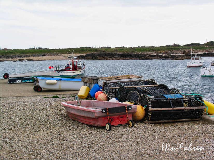 Idealer Stop mit dem Wohnmobil an einem kleinen Hafen auf der Halbinsel Cotentin