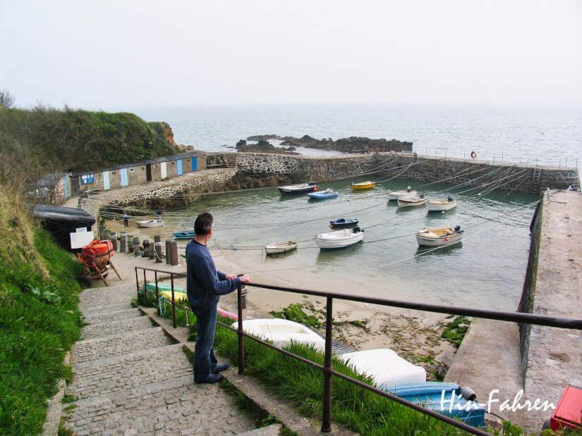 Wohnmobiltour Normandie: Fischerboote im Hafen Port Racine