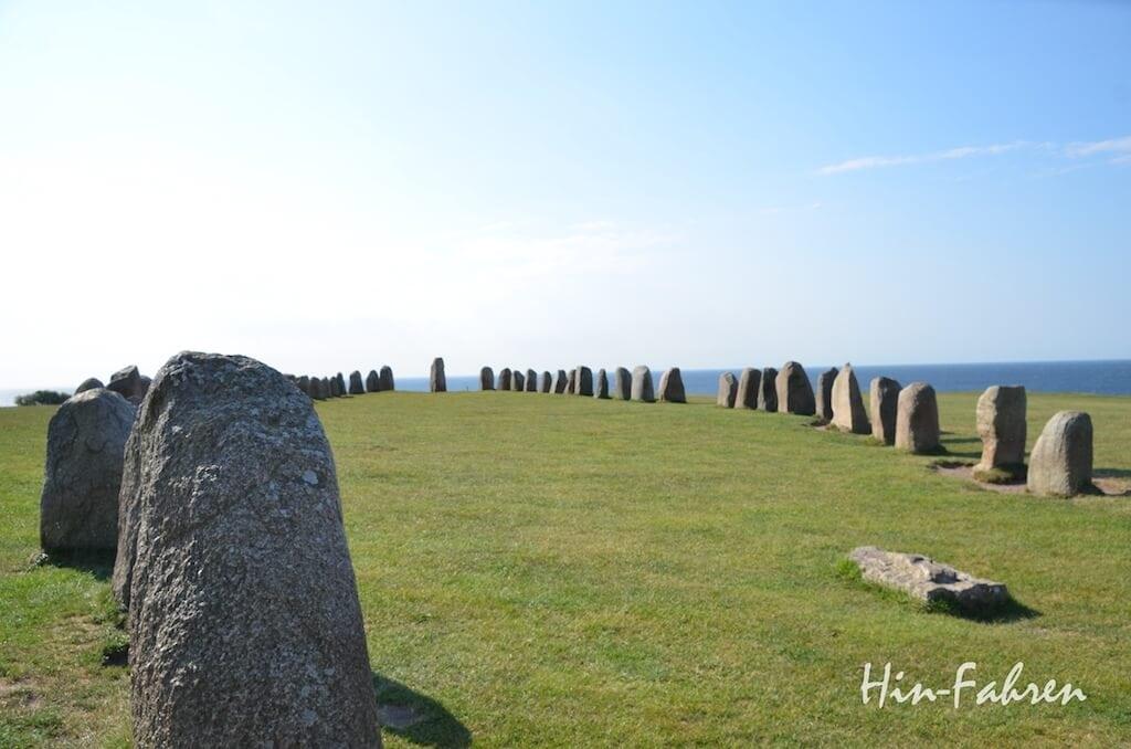 59 Steine bilden die größte erhaltene Schiffsteinsetzung in Schweden
