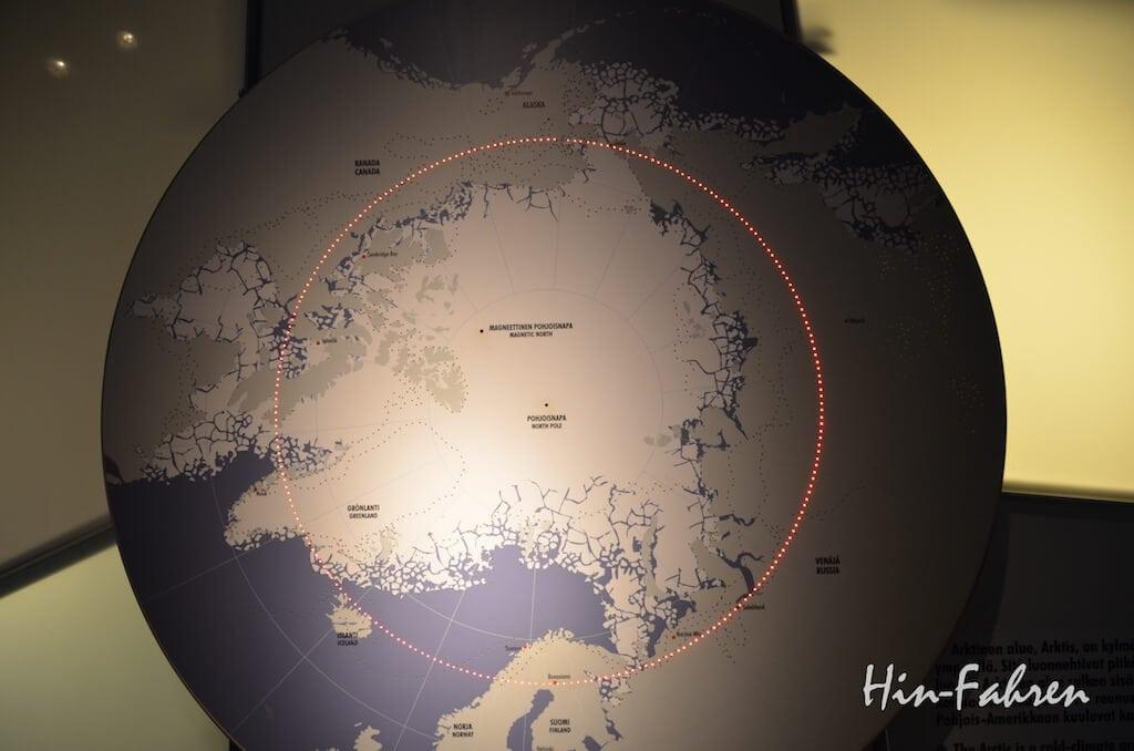 Weltkarte mit Polarkreis im Museum Arktikum