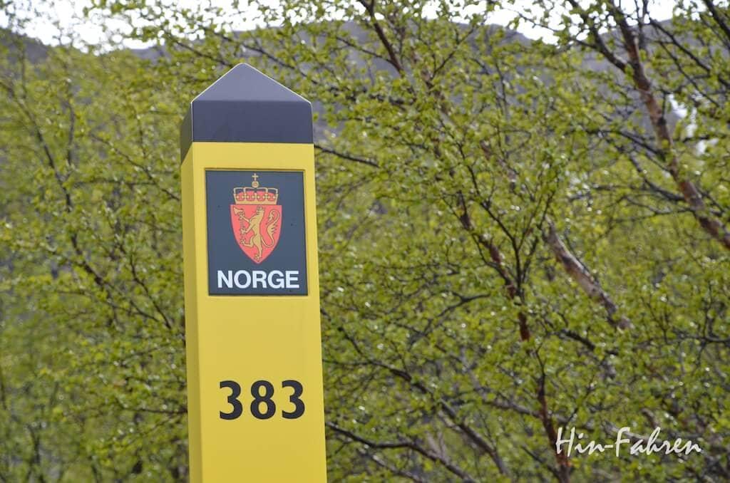 Wir haben Norwegen mit dem Wohnmobil erreich: Markierung der Grenze