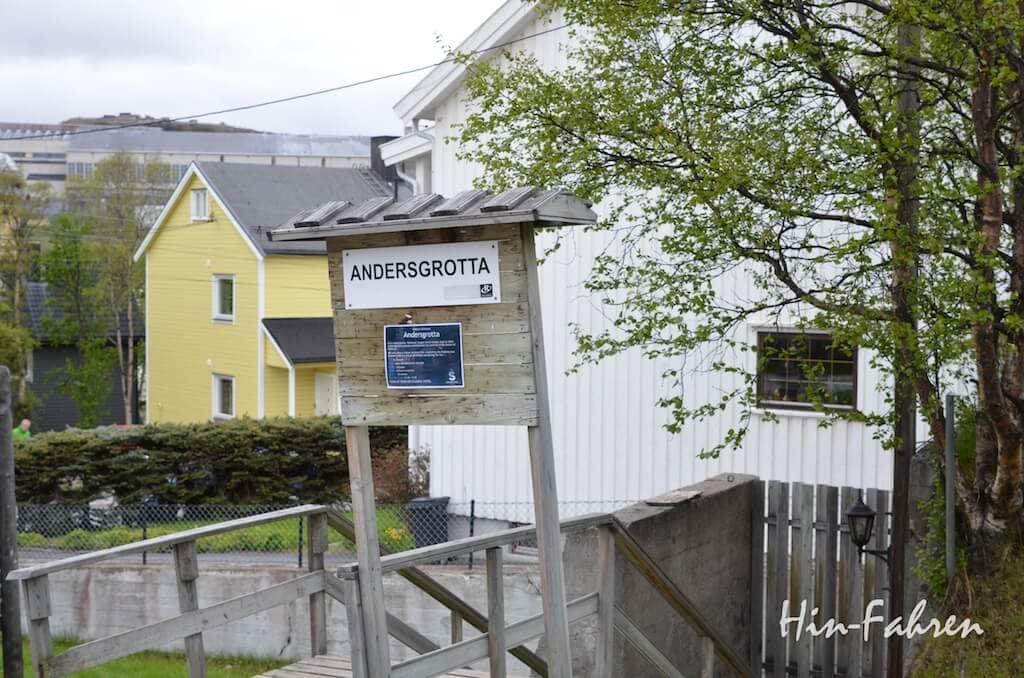 Urlaub mit dem Wohnmobil in Norwegen: Zugang zum ehemaligen Luftschutzbunker Andersgrotta in Kirkenes