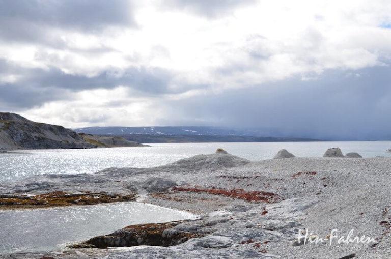 Die Bucht am Trollholmsund in Norwegen