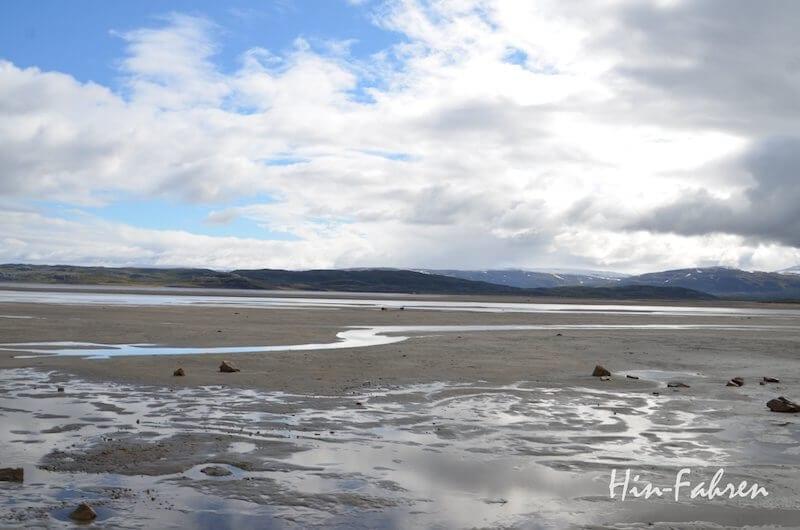Norwegen: Blick von der E6 auf den Fjord
