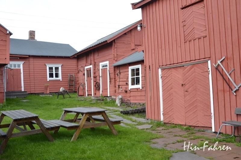 Typisch in Nordnorwegen: Hofanlage der Kven in Vadsø am Varangerfjord