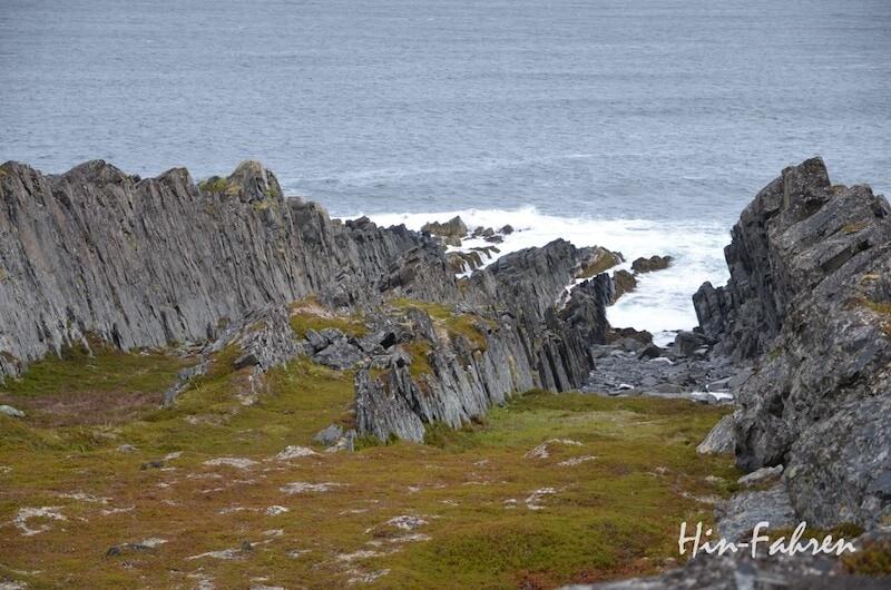 Felsen an der Barentssee auf der Varanger-Halbinsel