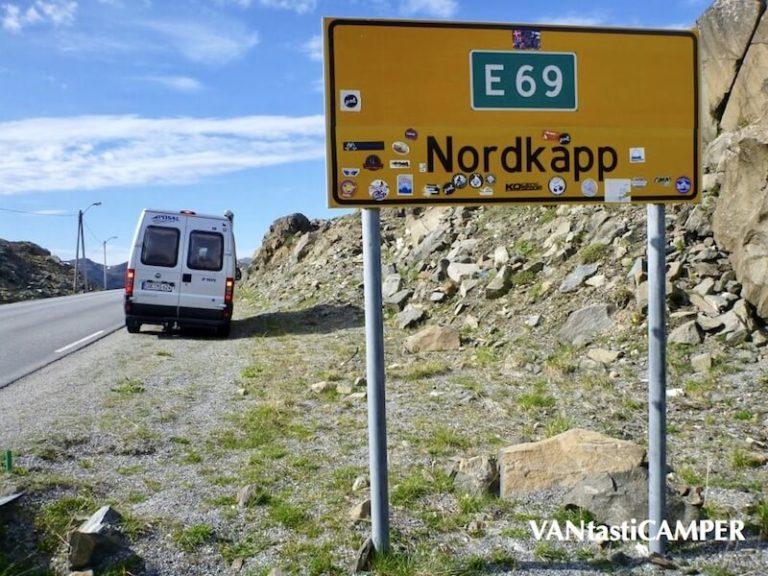 Kastenwagen kurz vor dem Nordkapp