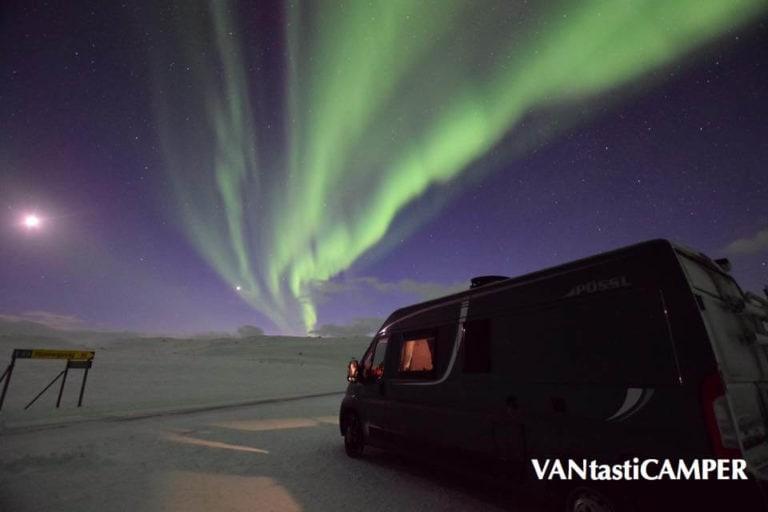 Kastenwagen Pössl 2Win mit Nordlicht