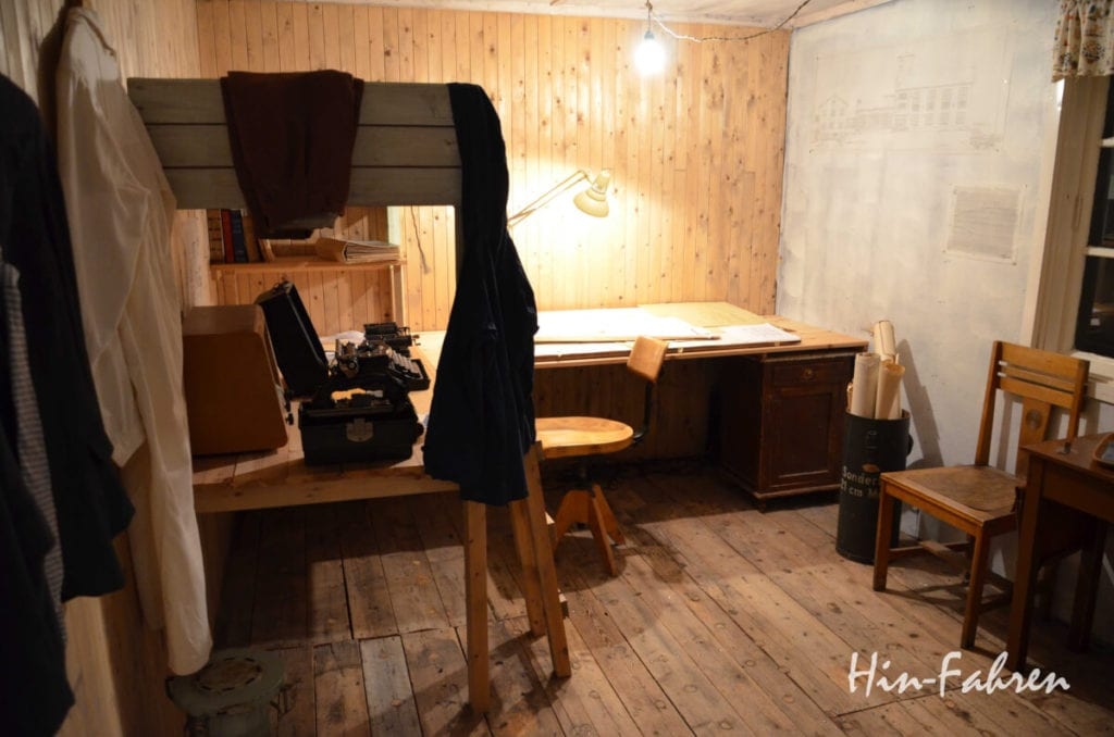 Museum Hammerfest: Bett und Arbeitsplatz der Architekten der Wiederaufbauhäuser