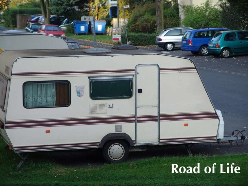 Der erste Caravan der Kastenwager von Road of Life
