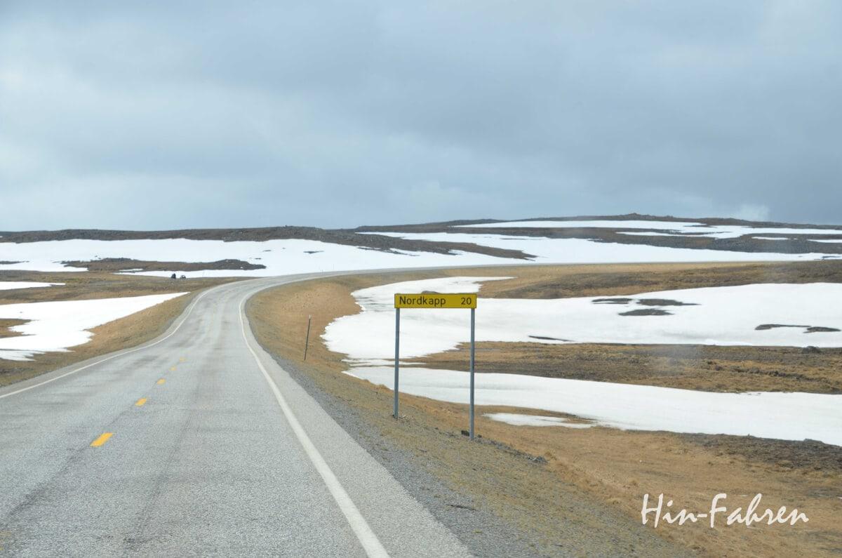 Wohnmobiltour zum Nordkap: Straße auf Magerøya