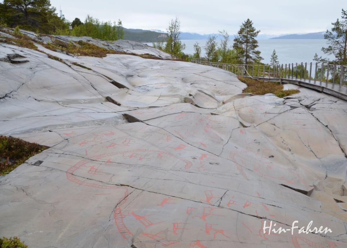 Wohnmobil Norwegen: Felsritzungen oberhalb des Altafjords