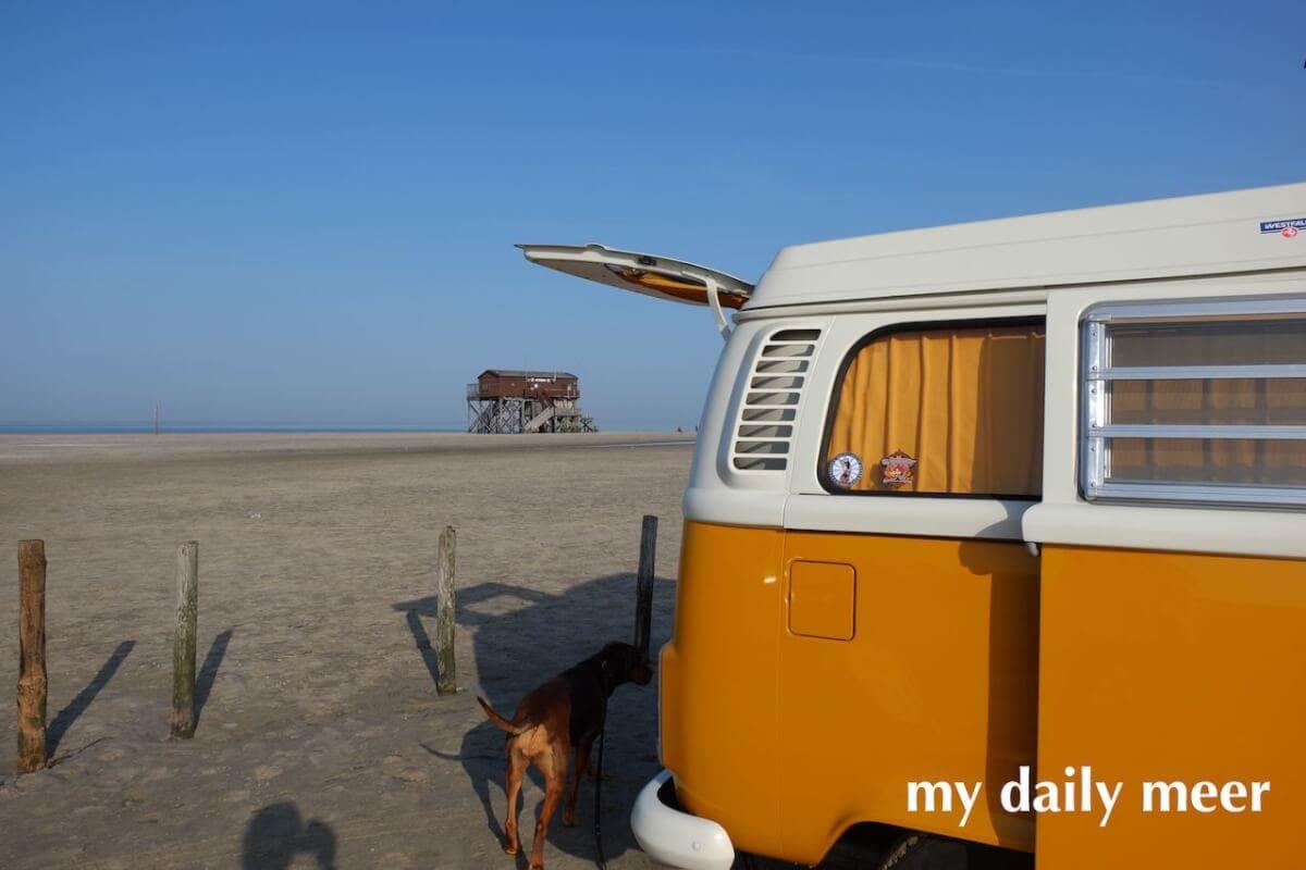 VW-Bus am Strand