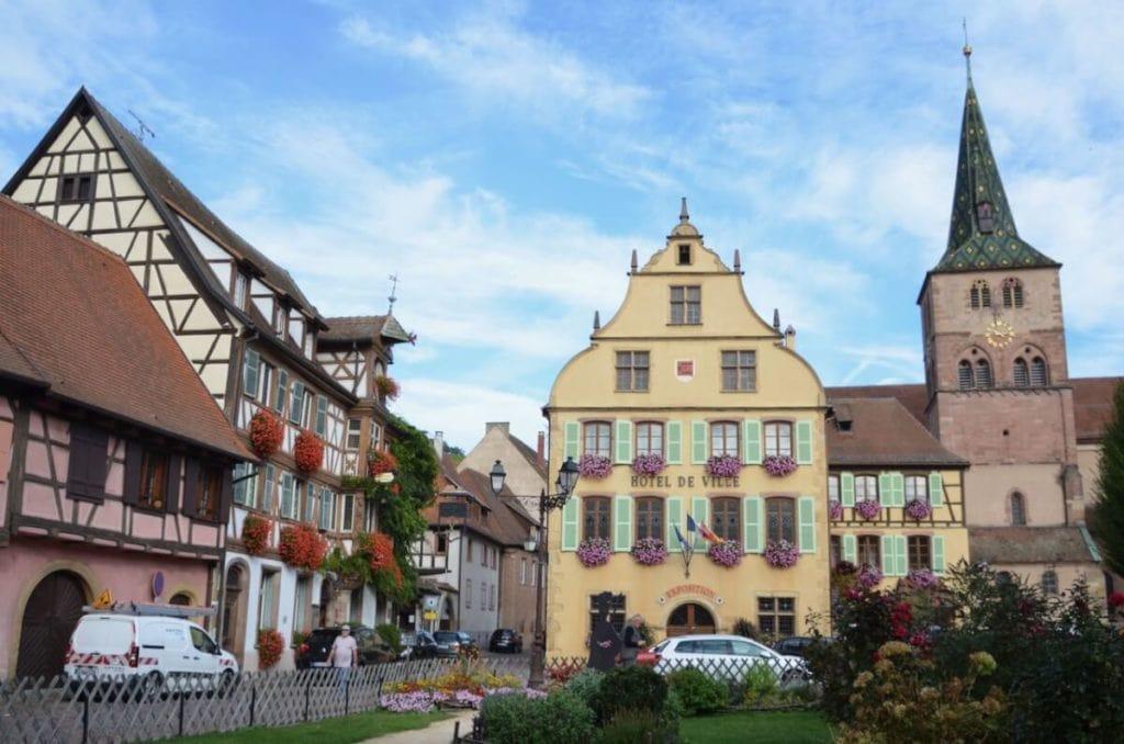Ausflugsziel Turckheim: Rathaus, Hotel des Deux Clefs, Kirche und andere historische Häuser