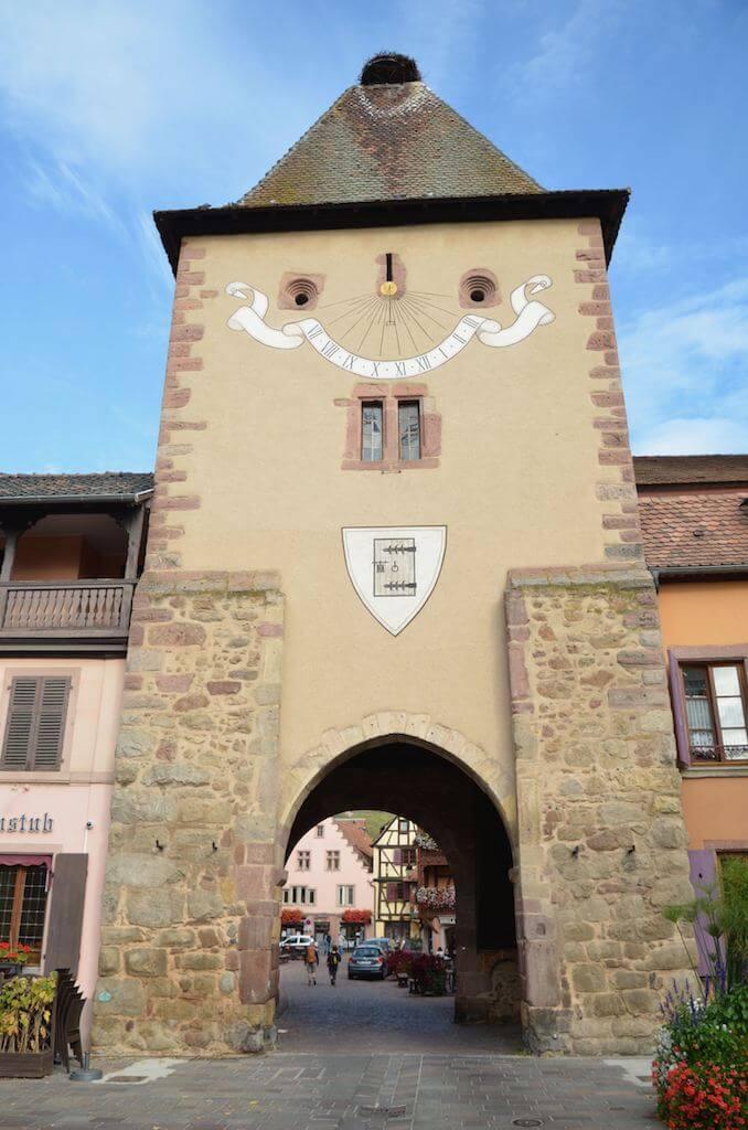 Wohnmobilreise Frankreich: Stadttor von Turckheim im Elsass