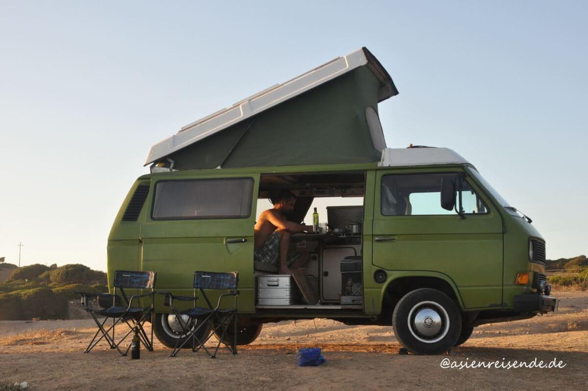 VW Bus T3 mit Klappdach und Campingausbau