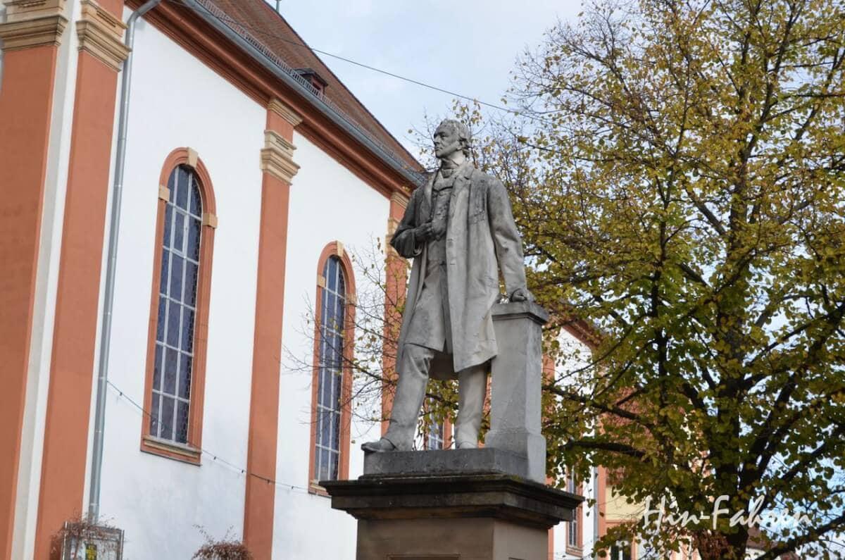 Statue von König Ludwig in Edenkoben