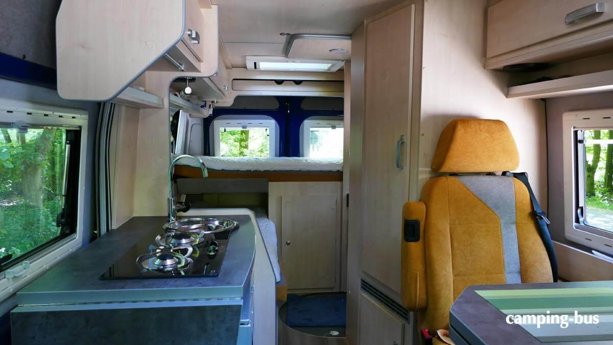 Das Innere des Burow Kastenwagen