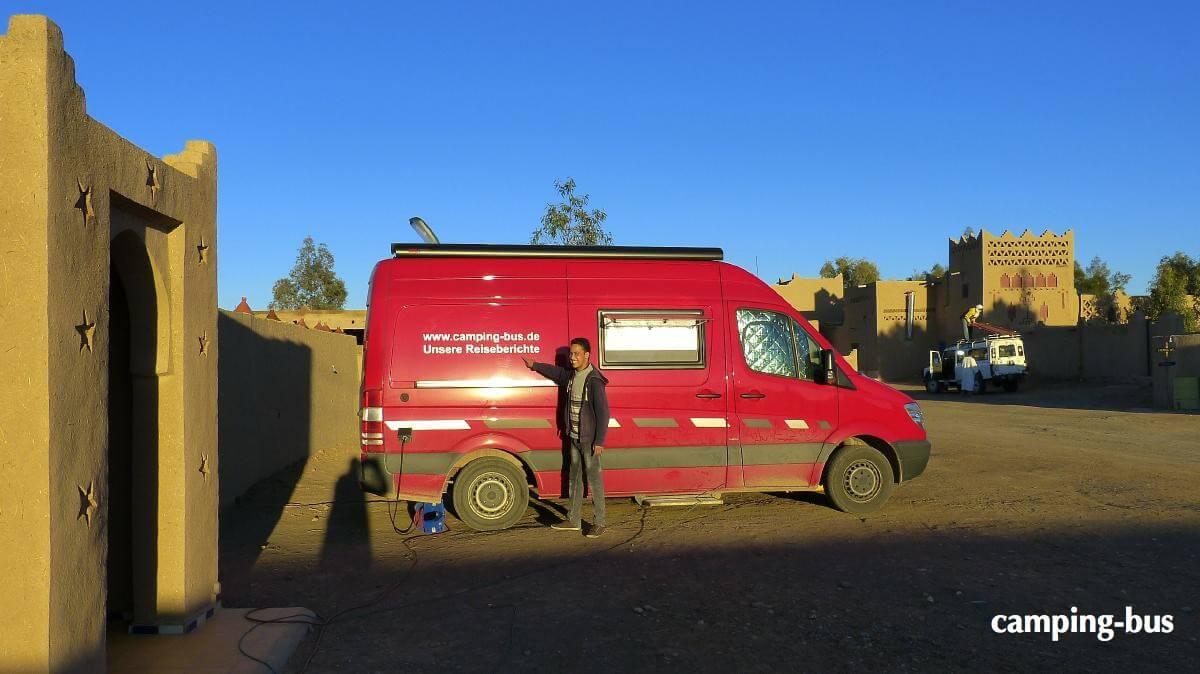 Kastenwagen in Marokko in Kasbah Mohayut