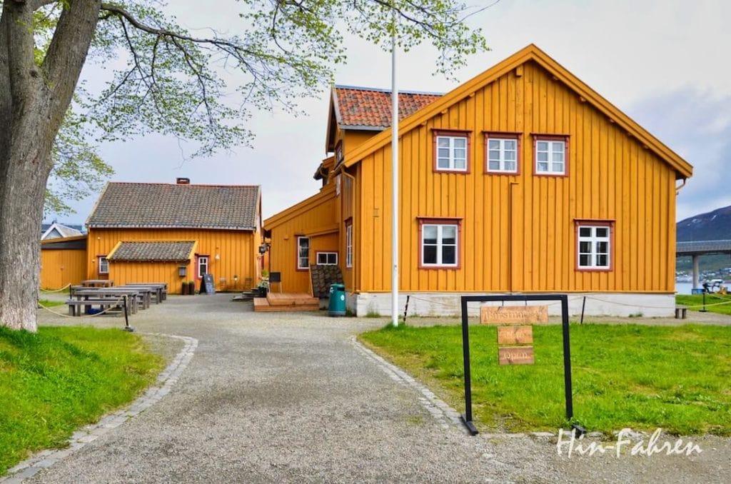 Mit dem Wohnmobil in Tromsö: Festung Skansen am Rand des Stadtzentrums