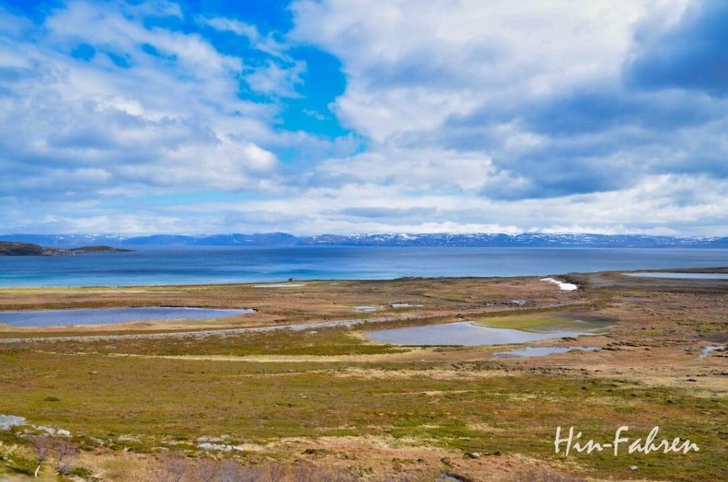Aus dem Wohnmobil haben wir einen guten Blick auf den Porsangerfjord