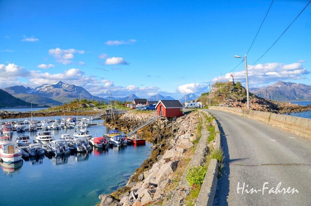 Einer unserer schönsten Stellplätze in vier Wochen Norwegen war in Lødingen am Hafen