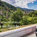 Kasten mit Inhalt: Claudia und Joachim und ihr Roadcar-Kastenwagen