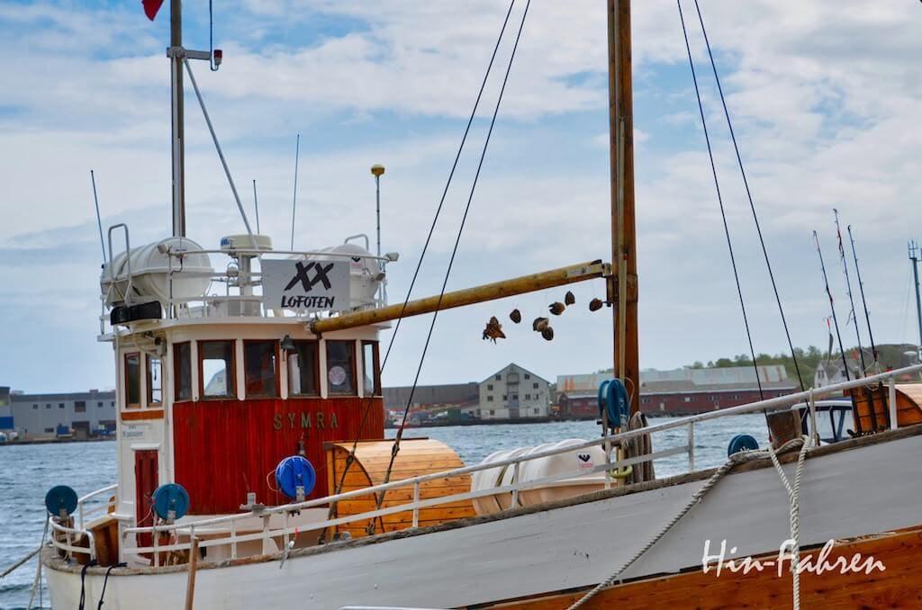 Segelschiff im Hafen