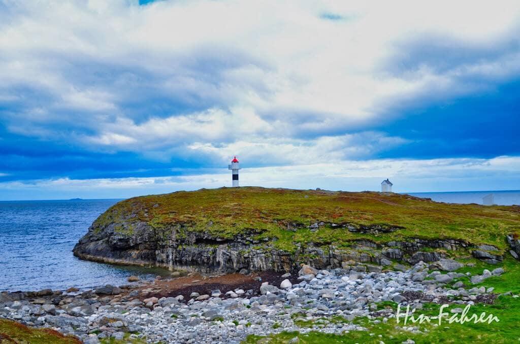 Kleiner unbemannter Leuchtturm auf Andøya