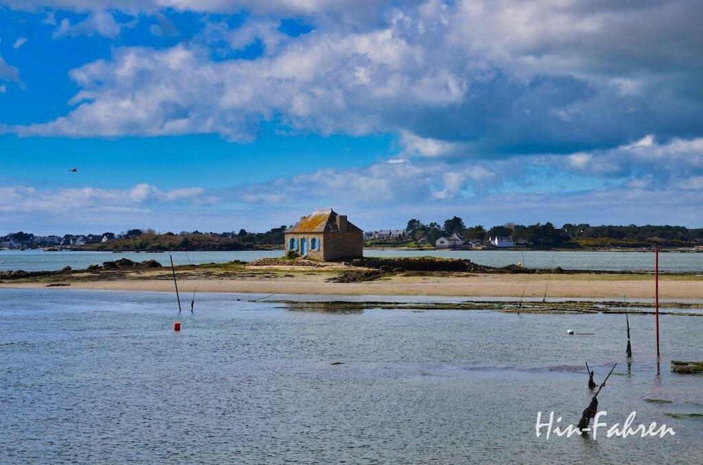 Insel und kleines Haus in der Bretagne