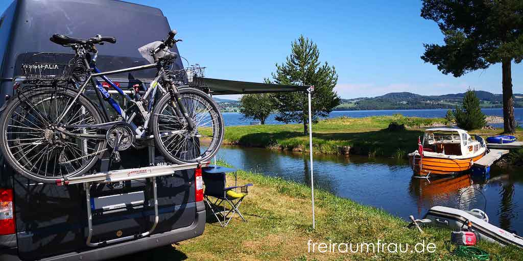 Wohnmobil Ford Nugget am See