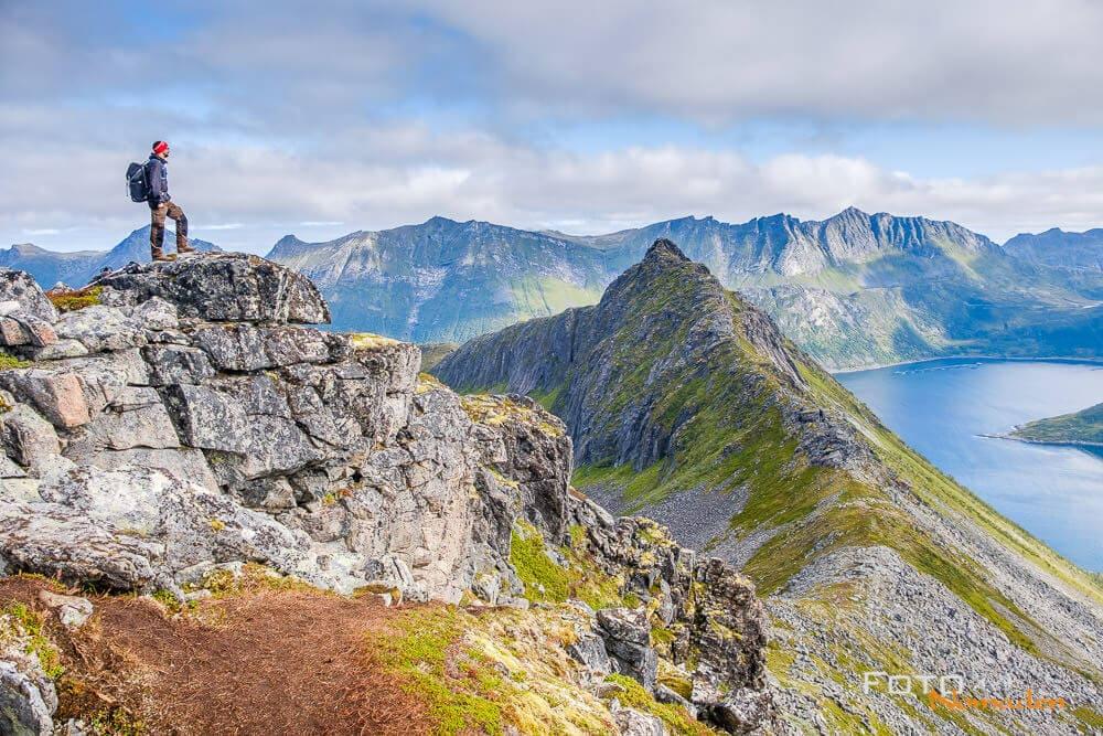 Bergformation auf Senja in Norwegen