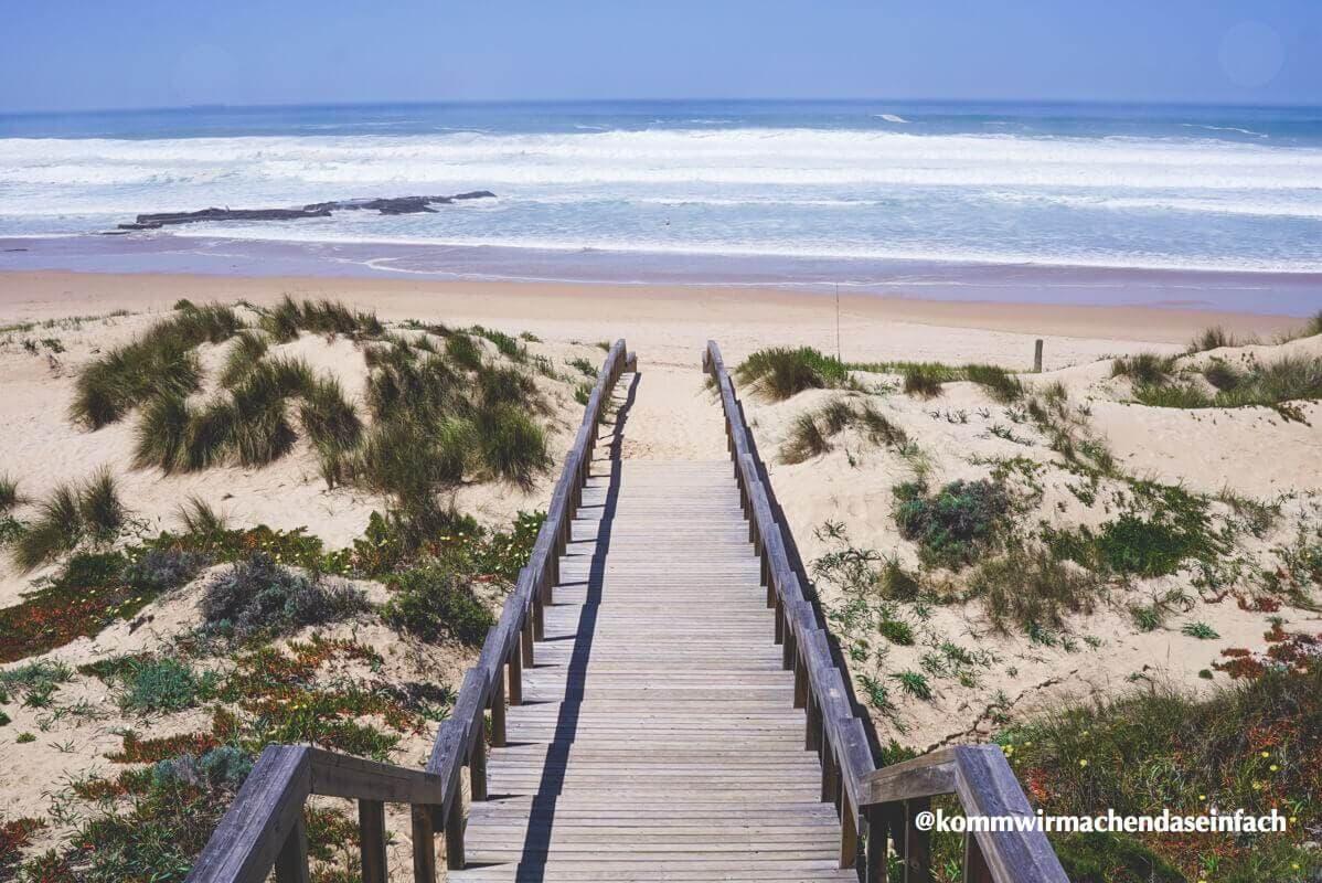 Blick auf den Strand und das Meer