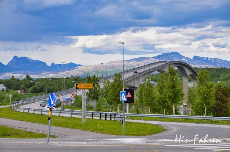 Blick auf die Brücke am Saltstraumen