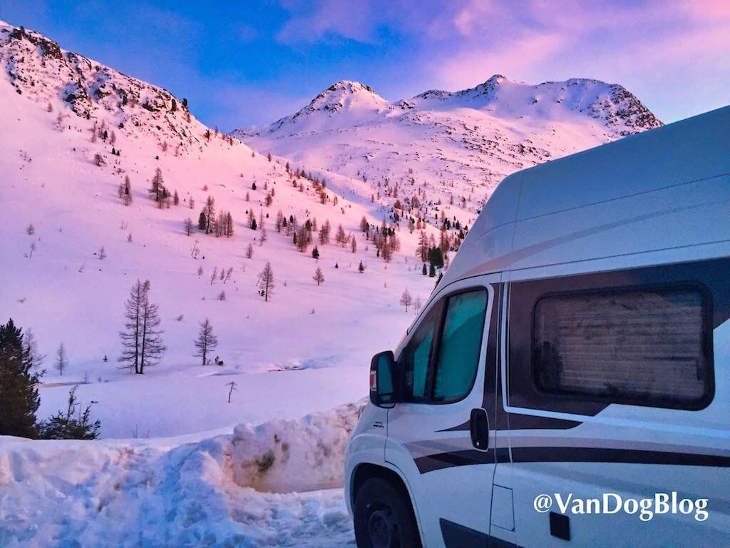 Mit dem Kastenwagen im Schnee