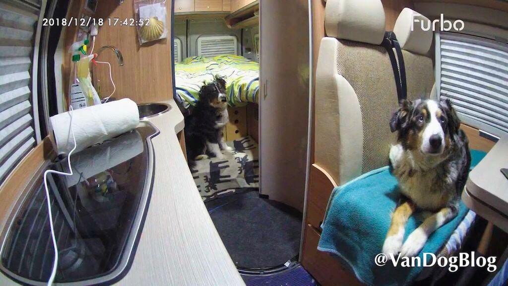 Blick in den Knaus Kastenwagen von VandogBlog