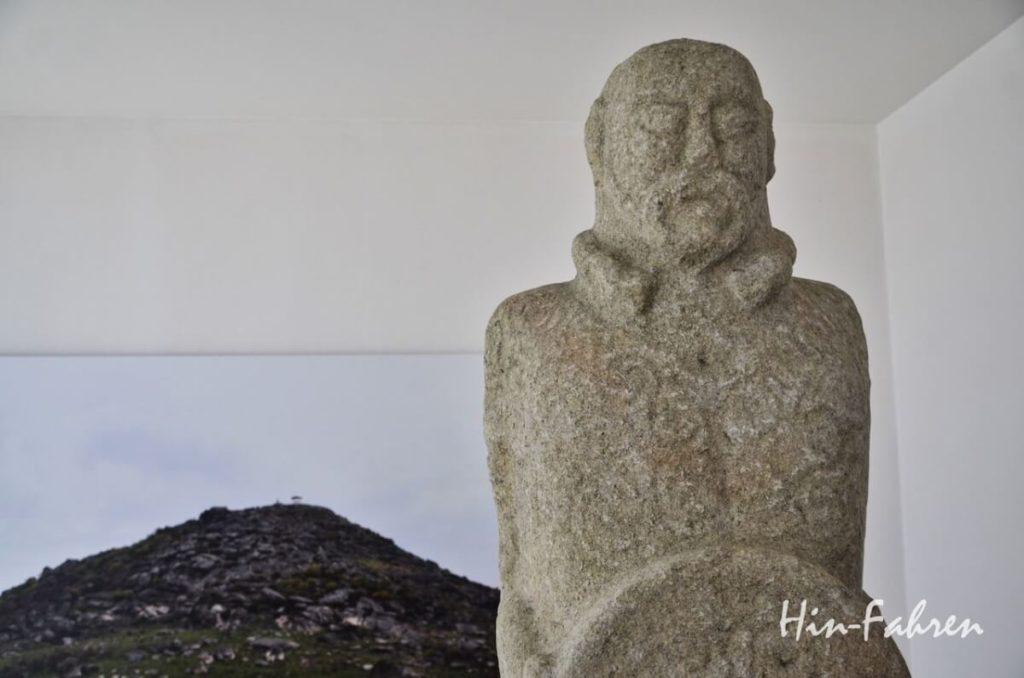 Mannshohe Figur eines Kelten in Portugal
