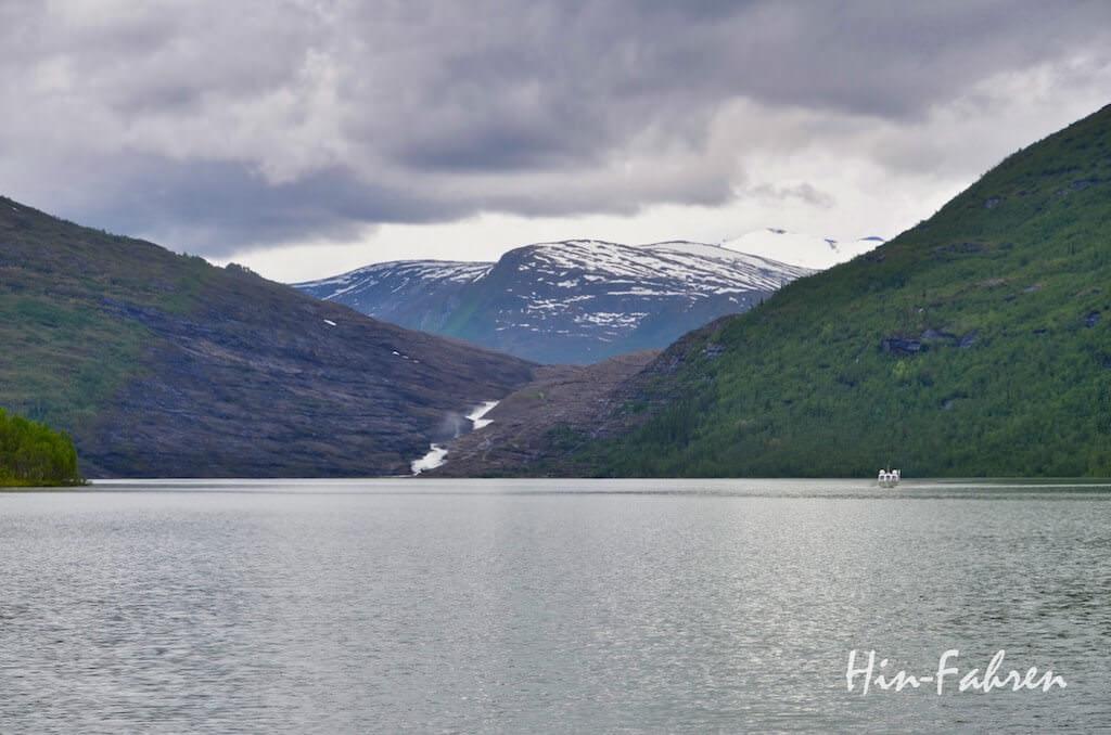 See am Svartisen-Gletscher in Norwegen