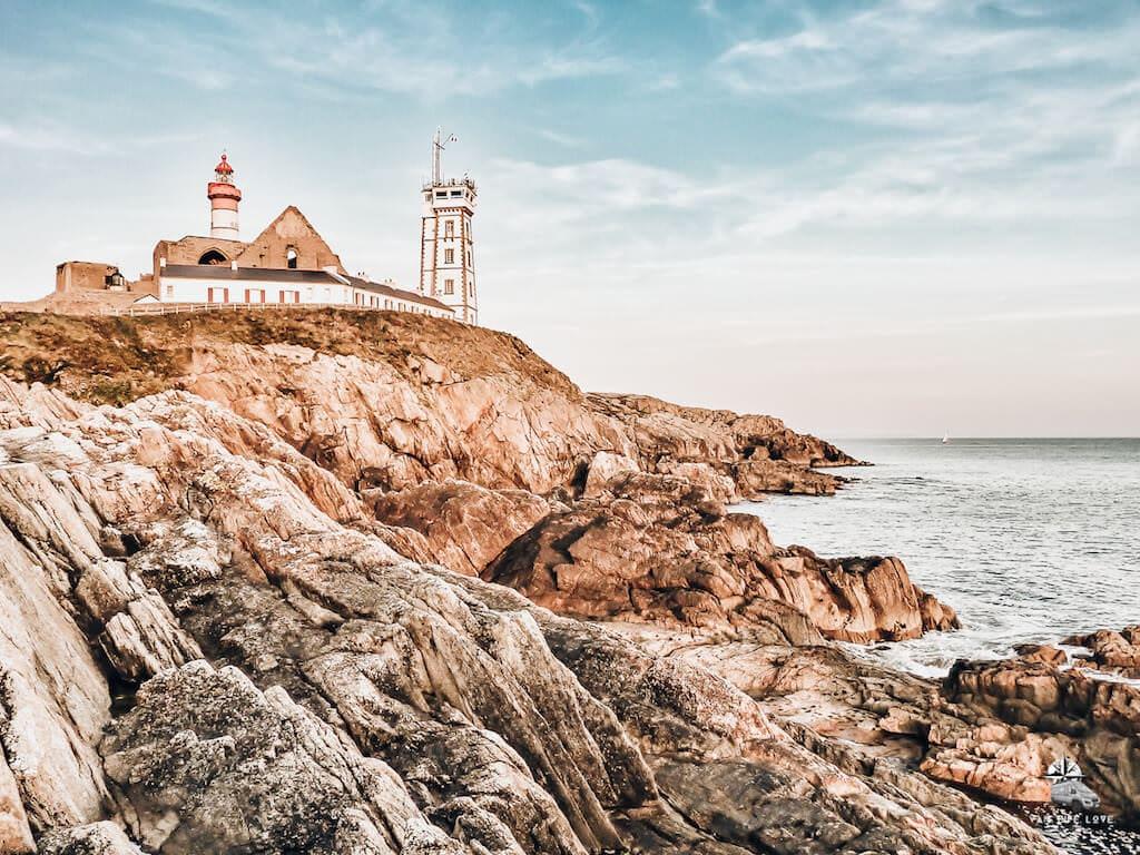 Reiseziel mit Wohnmobil: Leuchtturm in Frankreich