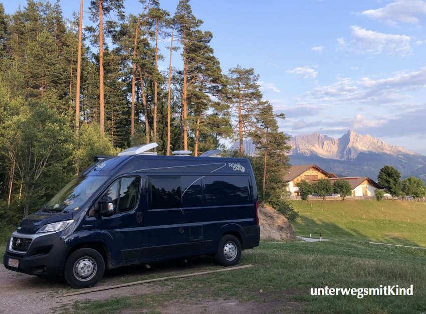 Kompaktes Wohnmobil: Kastenwagen Roadcar 540 in blau