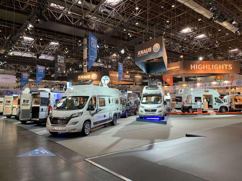 Kastenwagen Wohnmobile von Knaus auf dem Caravan Salon Düsseldorf in Halle 15