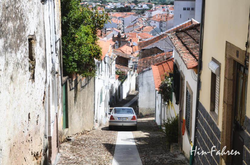 Wohnmobil-Reise: Stadt in Portugal